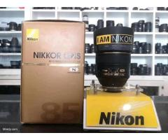 Brand new digital Nikon D850 with kits and 85mm lens whatsapp +447716232306